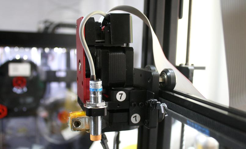 3D-принтер Wanhao Duplicator 9 работает практически с любым пластиком